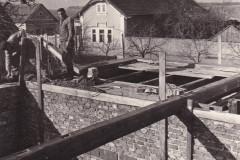 Výstavba hasičárny v roce 1960